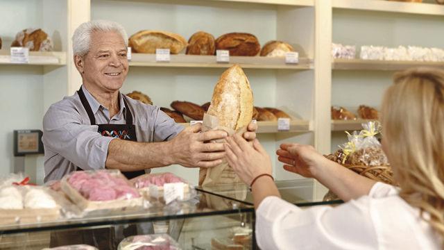 Für den Dialog mit Kunden empfehlen sich kurze Hauptsätze mit positiven Informationen. (Quelle: Fotolia)