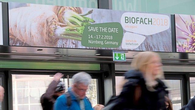 Bei der Biofach treffen sich Start-ups, Landwirte, Bäcker, Unternehmen und Interessierte der Branche.  (Quelle: NürnbergMesse/ Thomas Geiger)