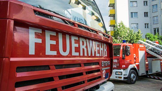 Die Feuerwehr musste in Meiningen einen Ofenbrand bekämpfen.  (Quelle: pixabay.com/ 495756)