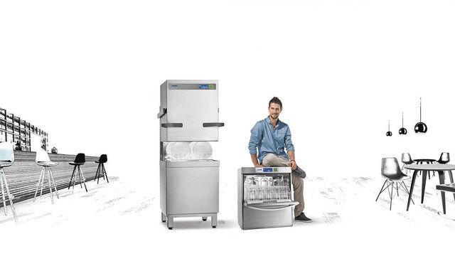 Bezahlt wird beim Spülen (Quelle: SYSTEM)
