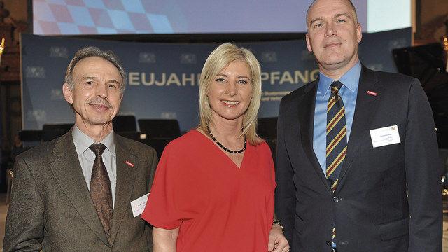 Hauptgeschäftsführer Dr. Wolfgang Filter (links) und Geschäftsführer Christopher Kruse mit Verbraucherschutzministerin Ulrike Scharf. (Quelle: LIV)
