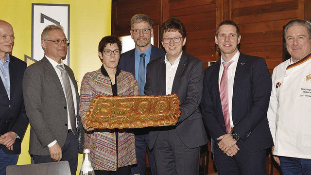 MP Annegret Kramp-Karrenbauer (v.l.), Michael Mezödi, Radio Salü, Jörg Loth, IKK Südwest. (Quelle: IKK)