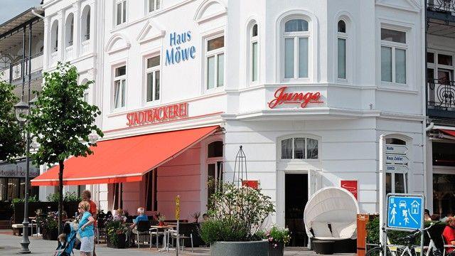 Die Bäckerei Junge hat auch Filialen in den Feriengebieten an der Ostsee, so wie hier in Binz. (Quelle: Archiv/Kauffmann)