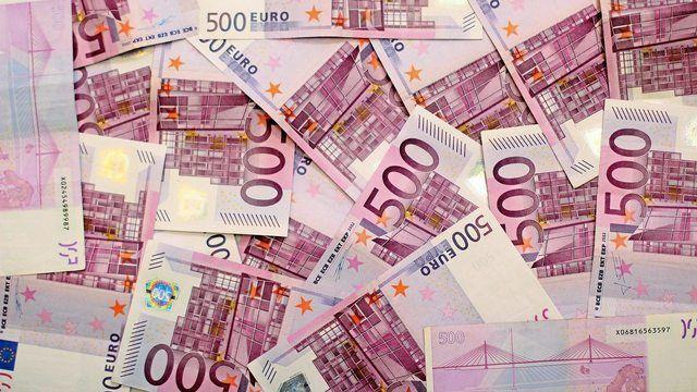 Acht Millionen in gut gelungenem Spielgeld, das mit echten Euro-Scheinen verwechselt wurde, lagen in der Bio-Tonne einer Bäckerei. (Quelle: pixabay.com/ Reisefreiheit_eu)