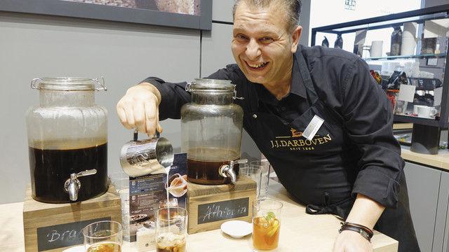 Cold brew-Coffee war einer der auf der Messe mehrfach präsentierten Trends, hier am Stand von Darboven. (Quelle: Wolf/Kauffmann)