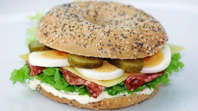 Bagel Bakery soll saniert werden und auch in Zukunft Gebäcke liefern können.  (Quelle: Archiv/Unternehmen)