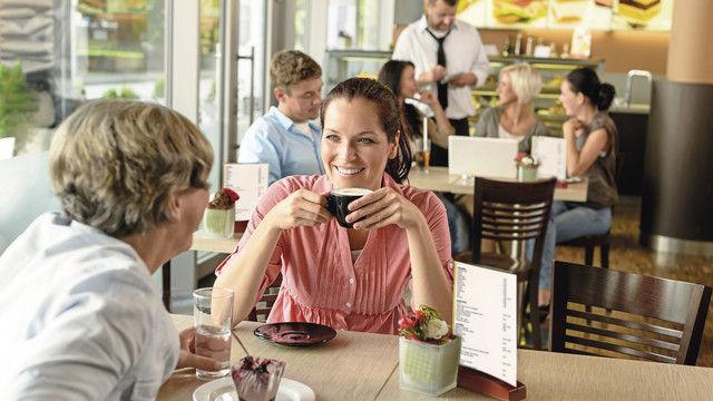Ob Restaurant, Eisdiele oder Bäckerei mit Café – Hamburger Betriebe sollen sich künftig mit einem freiwilligen Hygiene-Siegel profilieren. (Quelle: Shutterstock/BGV)