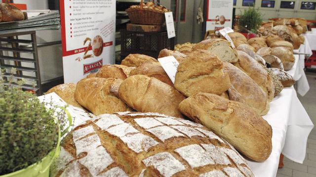 Ganz große Auswahl an Broten aus regionalen Rohstoffen. (Quelle: Schindler)