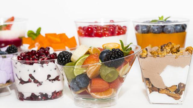 Vor dem Aus: Plastikbehältnisse wie hier für Desserts. (Quelle: Fotolia / lester120)
