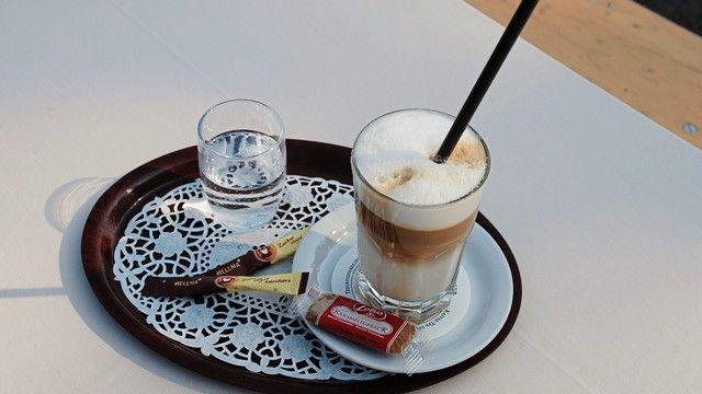 Kaffee wird immer mehr außer Haus getrunken. (Quelle: Archiv/Kauffmann)