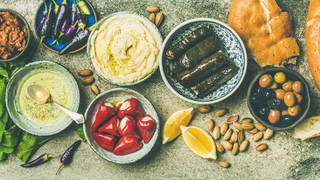 Auftriche, Dips und Brotkreationen - mit neuen Gewürzmischungen kann das Geschäft belebt werden.   (Quelle: Fotolia/sonyakamoz)