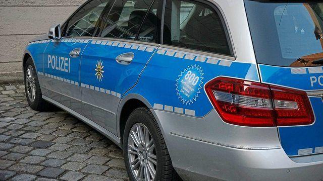 Die Polizei fahndete mit zahlreichen Kräften nach dem vermeintlichen Räuber. (Quelle: Pixabay.com/Hans)
