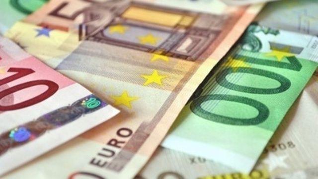 Es laufen die Gespräche, wie viel mehr Geld die Beschäftigten des bayerischen Bäckerhandwerks bekommen sollen.  (Quelle: pixelio/Andreas Hermsdorf)