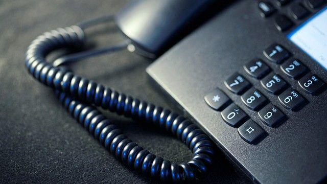 Telefonabzocke: Am besten gleich auflegen.  (Quelle: Rainer Sturm/Pixelio.de)