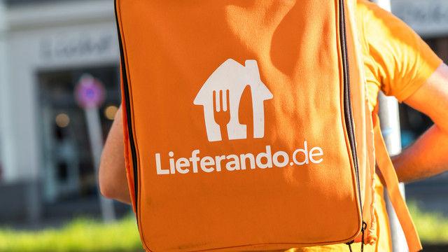 Deutschland lässt liefern: Beim Umsatz hat Lieferando kräftig zugelegt.  (Quelle: Shutterstock/Cineberg)