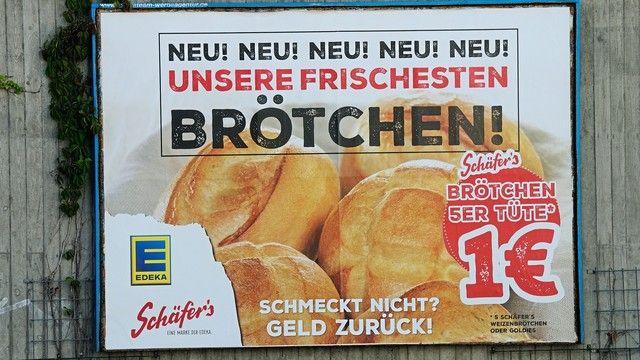 Großflächige Plakatwerbung für die Brötchen von Schäfer's - gesehen in der Kreisstadt Luckenwalde in Brandenburg. (Quelle: Kauffmann)