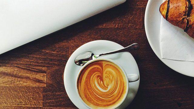 Coca-Cola hat den britischen Coffee-Shop-Betreiber Costa Limited gekauft. (Quelle: Pixabay.com/Free-Photos)