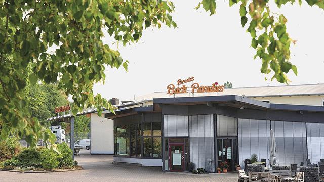 Die Jalousien bleiben unten: Die Bäckerei Brede hat geschlossen. (Quelle: Zerhau)