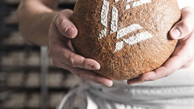 Ein Laib Brot als Zeichen regionaler Partnerschaft. (Quelle: privat)