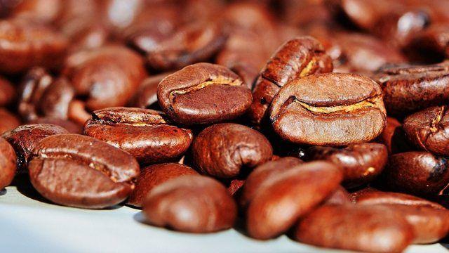 Gute Kaffee-Ernten sorgen für sinkende Preise - auch im LEH.  (Quelle: Pixabay.com/ Alexas_Fotos)