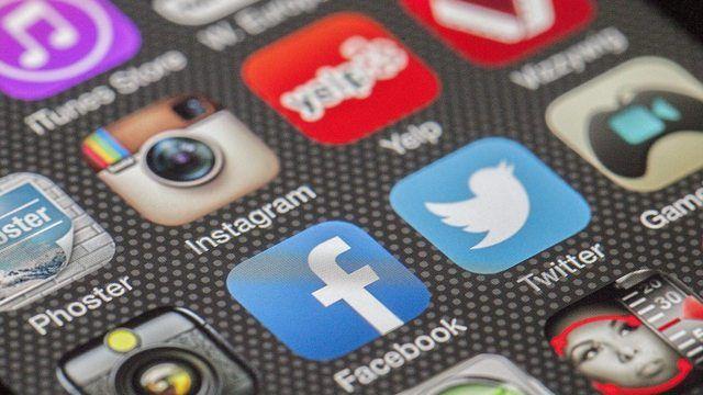 Mittelständischen Unternehmen fehlt das Know-How im Umgang mit den sozialen Medien.  (Quelle: pixabay.com/ LoboStudioHamburg)