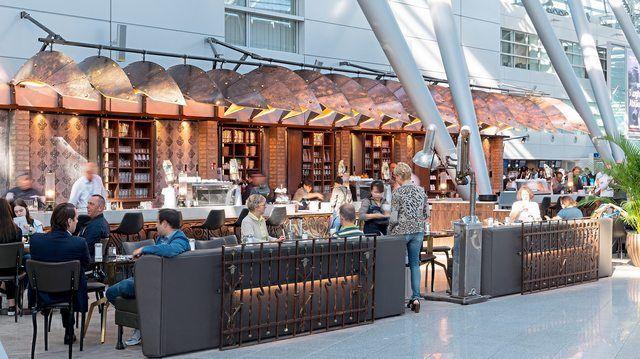 Neue Kaffee- und Snack-Konkurrenz: Bazzar Cafè bietet am Düsseldorfer Flughafen Steampunk-Ambiente.  (Quelle: Foto: SSP The Travel Experts)
