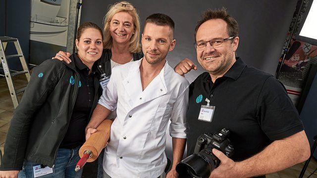 Bäckermeister David Haack beim Foto-Shooting für den Kalender. (Quelle: Werbefotografie Weiss)