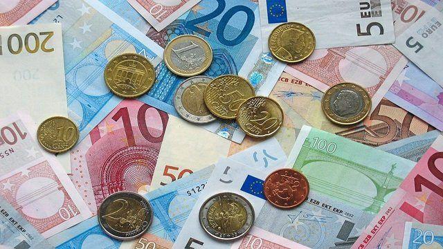 Die Mindestausbildungsvergütung soll im ersten Lehrjahr auf 504 Euro festgelegt werden. (Quelle: pixabay.com / janeb13)