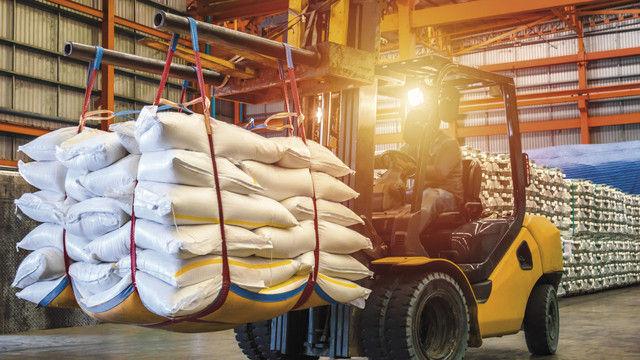 Alles Zucker in diesem Rohstofflager. (Quelle: Shutterstock/Mr. Kosal)