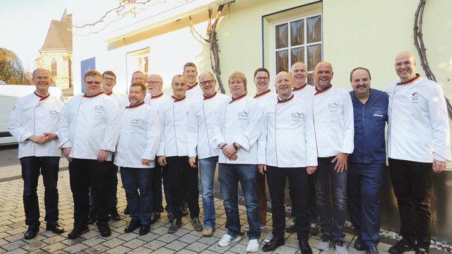 Die Brotsommeliers des Jahrgangs 2018 bei ihrem Abschluss mit Johann Lafer. (Quelle: Bundesakademie Weinheim)