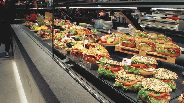 Werden Snacks appetitlich präsentiert, greift der Kunde gerne zu. (Quelle: Archiv/Korte)