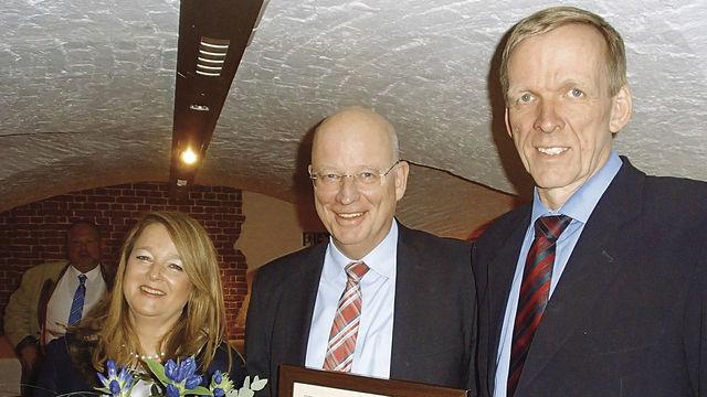 Katharina Daube wird Nachfolgerin von Jan-Henning Körner (r.), Heinz Essel ist Ehrenmitglied. (Quelle: Fischer)