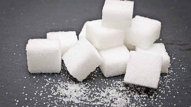 Zucker wird in erster Linie aus Zuckerrüben hergestellt. (Quelle: Fotolia/stockphoto_MG)