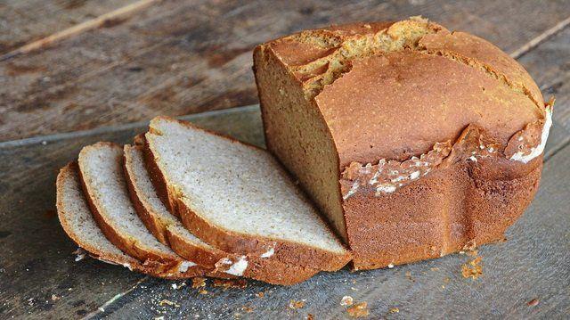 Glutenfreie Produkte wie Brot sind mittlerweile auch in zahlreichen Supermärkten erhältlich. (Quelle: pixabay.com/ BRRT)
