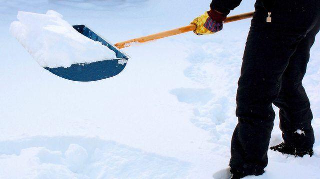 Wenn der Schnee kommt, heißt es, aktiv zu werden. (Quelle: Rike/Pixelio.de)