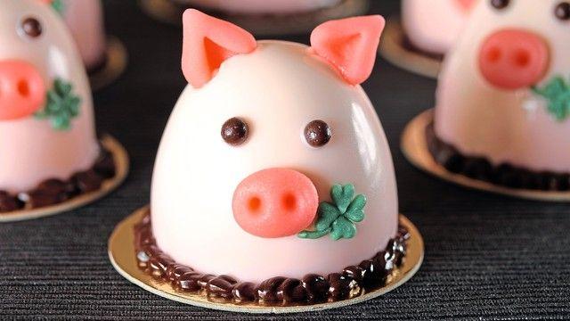 Kleiner Glücksbringer mit auf den Weg: das ABZ-Schweinchen.  (Quelle: Wiedholz)