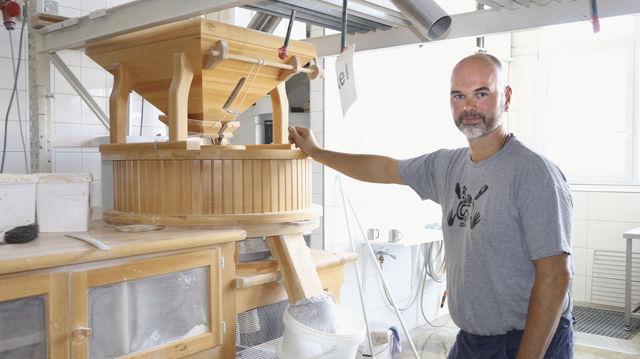 Eine von dreien: Das Mehl für seine Backwaren mahlt Andreas Wittmaack in Osttiroler Mühlen. (Quelle: Betrieb)