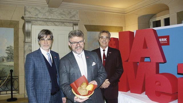 Thomas Koller (HWK-Hauptgeschäftsführer, v.l.), HWK-Präsident Thomas Zimmer, Bernhard Sauer (HWK-Geschäftsführer). (Quelle: Dietrich)