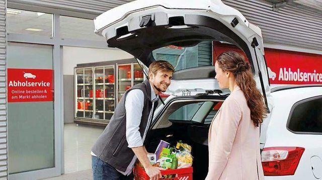 Die Ware kann verpackt ins Auto geladen werden.  (Quelle: Rewe Group)