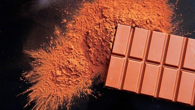 Vollmilch ist die beliebteste Schokoladensorte der Deutschen.  (Quelle: Martin Müller/pixelio.de)
