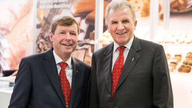 Freuen sich über die neue Tochterfirma Backaldrin Suisse AG: Peter Augendopler (rechts) und Geschäftsführer Robert Hauser.  (Quelle: Backaldrin)