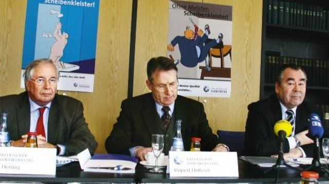 Die BHT-Kampagne wurde vorgestellt von: v. l. Rudolf Herwig (HwK München.), Rupert Hutterer (BHT) und Heinrich Traublinger (BHT-Präsident). (Quelle: Eberhardt)