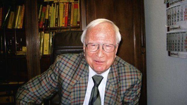 Ernst-Joachim Böcker.