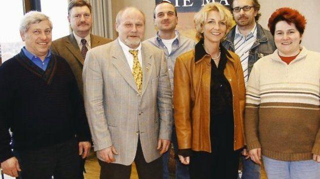 Auf der Versammlung in Mannheim (v. l.): Rudi Duttenhofer, Wolfram Gothe, Norbert Magin, Helmut Döringer, Vera Wolf, Peter Kapp, Juliane Ockert.  (Quelle: Pilz)