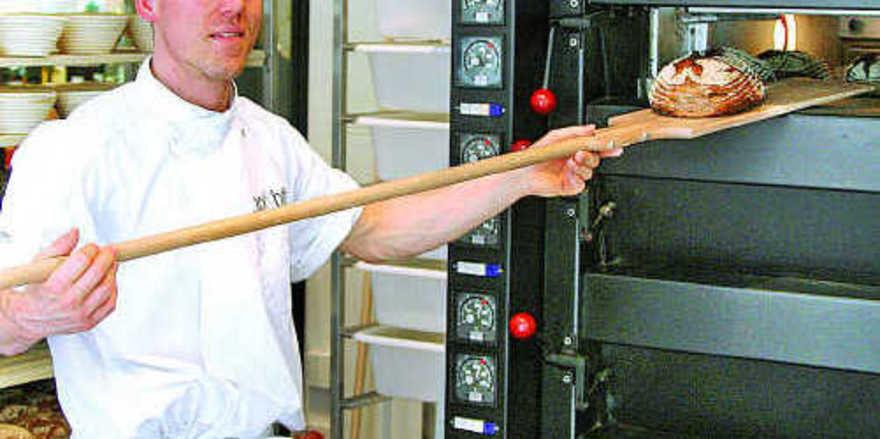 2d2abb13d4d17d Bei Brot amp Butter wird zwischenzeitlich an fünf Standorten vor Ort  frisches Steinofenbrot gebacken.