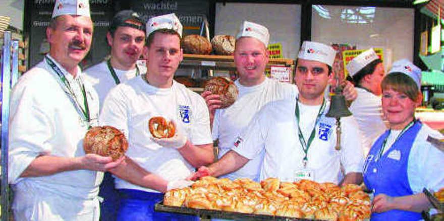 Stets dicht umringt war die Schaubackstube der Berliner Bäckerinnung. Neben leckeren Backprodukten zeigte die Zunft ihre handwerklichen Produktionsmethoden und betrieb erfolgreich Nachwuchswerbung.