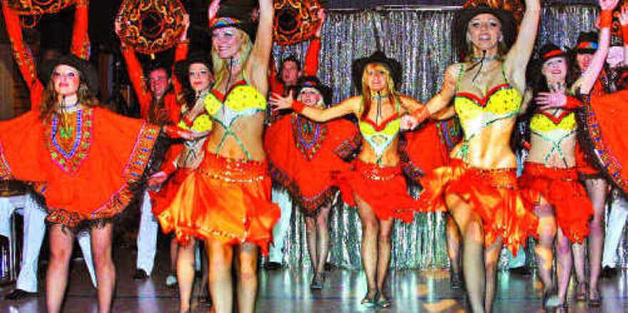 """Mit einer hinreißenden Show entführte die """"Narrneusia"""" das Publikum aus der winterlichen Burggrafenhalle in die sonnige Karibik."""
