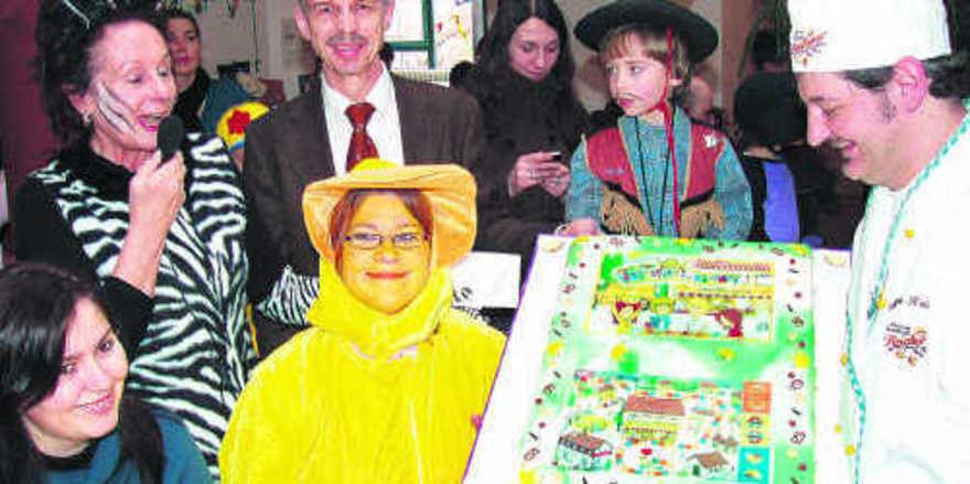 Kindergartenleiterin Brigitte Rehbein, Verbands-GF Dr. Wolfgang Filter, Erzieherin Jessica Hamiti und Bäckermeister Martin Reicherzer (v.l.).