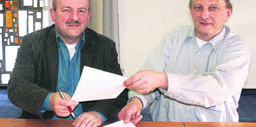 Eine Vereinbarung für faire Preise schlossen Wilfried Löwinger, Kreisobmann des Bauernverbandes im Lankreis Kulmbach und Ralf Groß, Obermeister der Bäckerinnung Kulmbach.