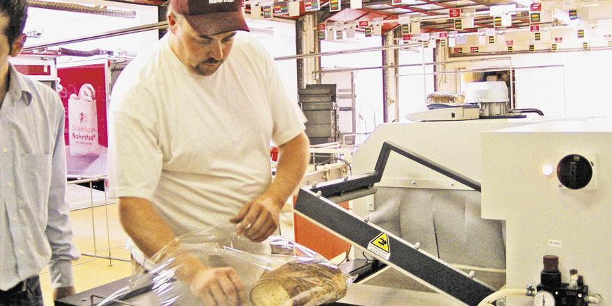Saubere Lösung: Brotverpackungsmaschinen entlasten die Mitarbeiter und sorgen für mehr Effizienz.